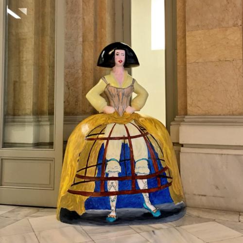 Detalle de una de las meninas de la muestra Meninas Madrid Gallery