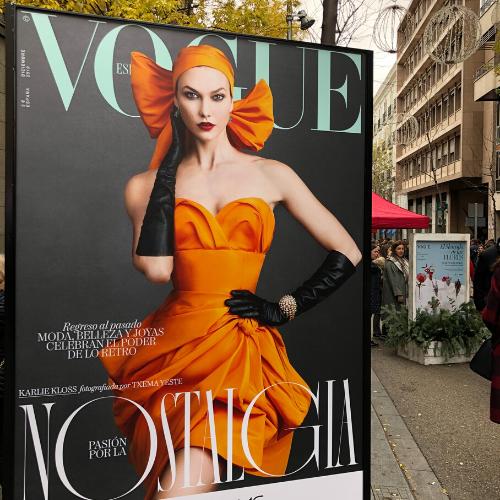 Cartel promocional publicación especializada en moda