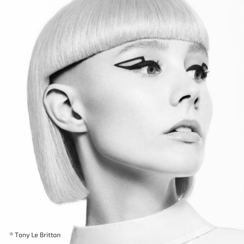 Chica rubia con corte de pelo andrógino
