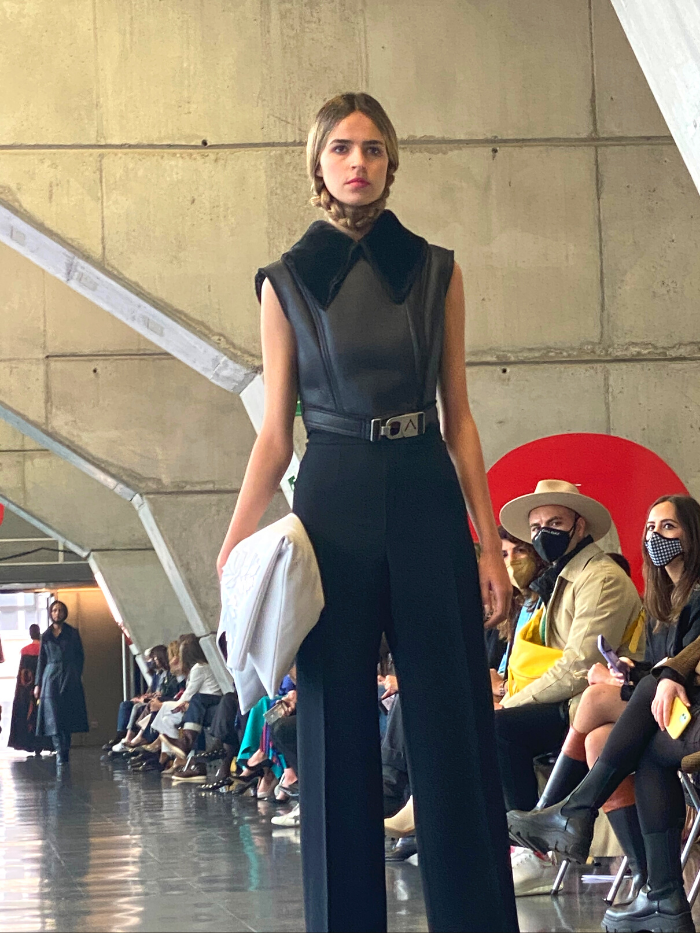Modelo vestida de Pilar Dalbat