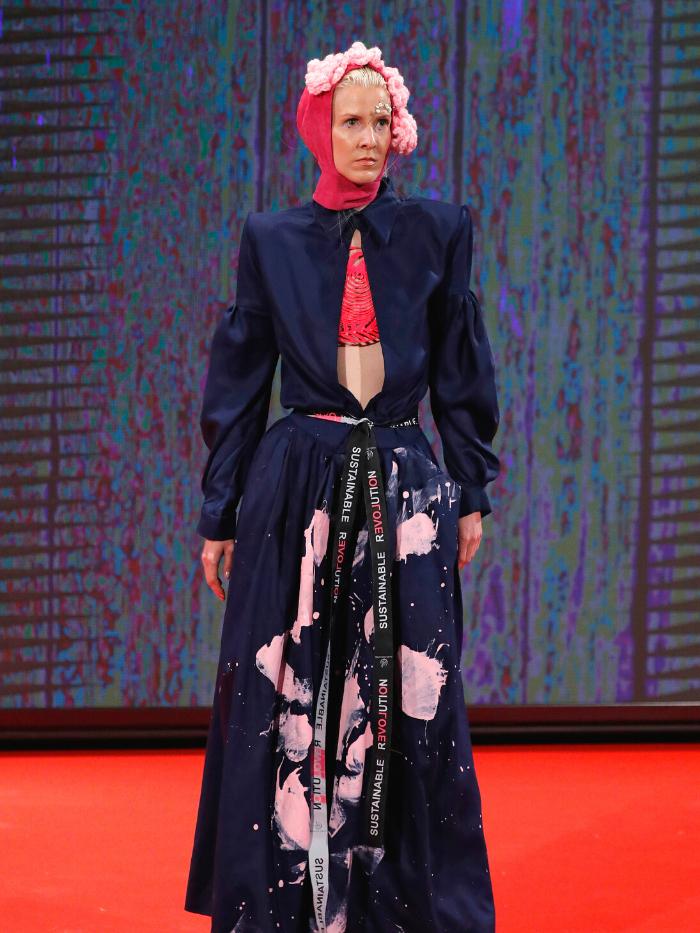 Modelo vestida de María Lafuente